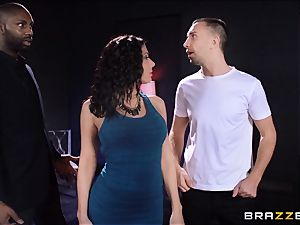Rachel Starr luvs some oily fun in front of her husband