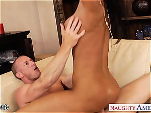 chesty beauty Jessica Jaymes in need of a supreme plumbing