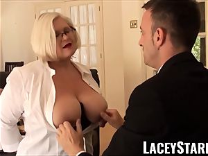 LACEYSTARR - subordinated GILF culo wedged by Pascal milky