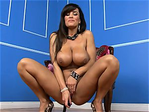 sumptuous Lisa Ann plunges her fuck stick deep in her moist gash