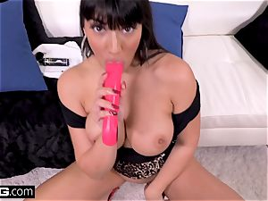 penetrate Real milfs Latina Mercedes gives a filthy suck off