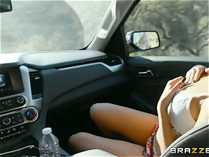 crazy hitch hiker Chloe Amour gets humped during tastey pick up