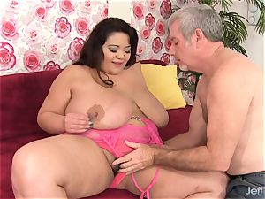 humungous jug plumper Miss Lingling nailed rock-hard in Her poon