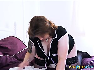 EuropeMaturE huge-chested curvy Mature fucktoy getting off