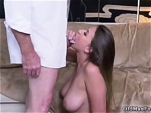 Latino father and bi cheating guy first time Ivy impresses with her big bumpers and donk