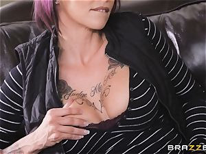 Anna Bell Peaks loves playing games